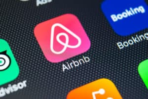Levante Ideias - IPO do Airbnb