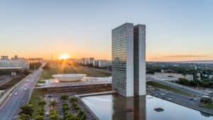 Brasília - E Eu Com Isso - Levante